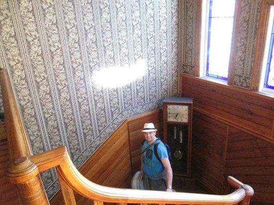 Duke of Marlborough Hotel: Stairs