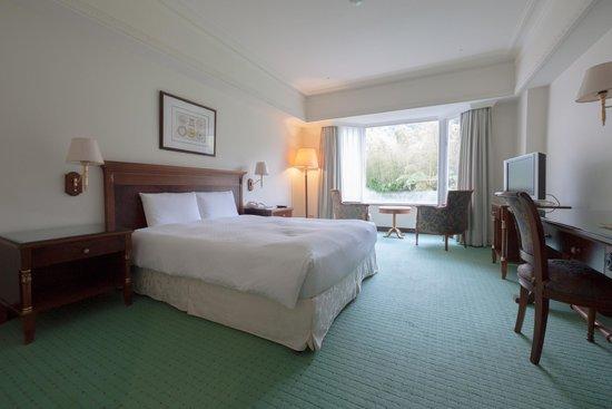 Le Midi Hotel Chitou: room