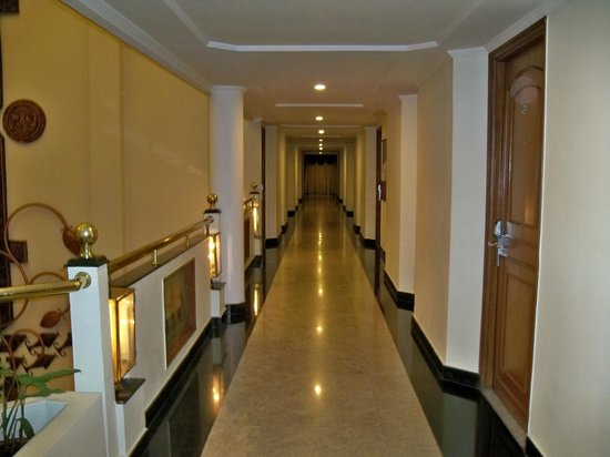 Hotel Sandesh The Prince: Corridors