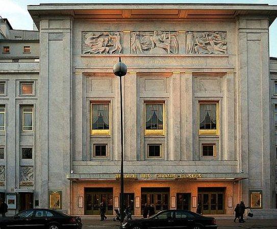 Théâtre des Champs-Élysées : Fassade Theatre Champs Elysées