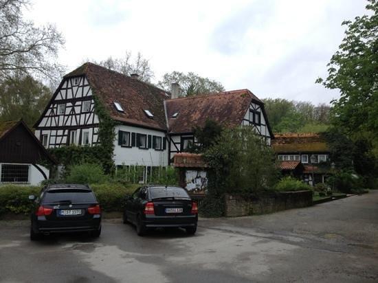 Jagdschloss Monchbruch : Die alte Mühle, die vorgibt ein Jagdschloß zu sein.