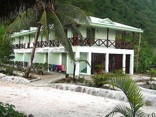 Akoi Beach Fales