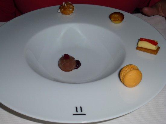 Reflets Par Pierre Gagnaire: pre desserts