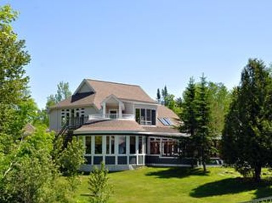 Best Hotels In Eastern Townships