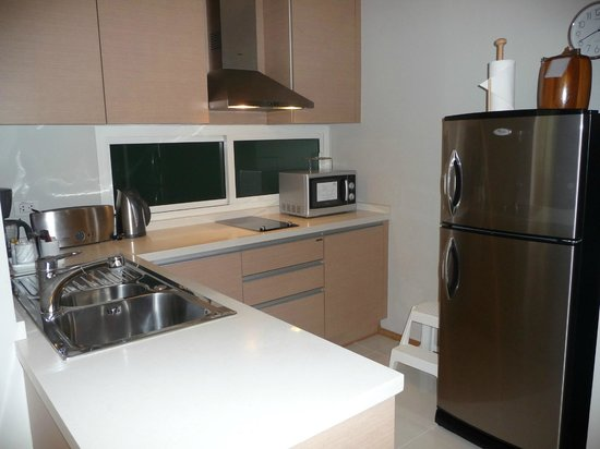 The Empire Place Condo: Modern Well Equipped Kitchen