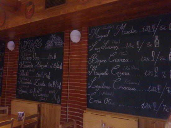 Destapa2: Pizarra de vinos. Gran selección