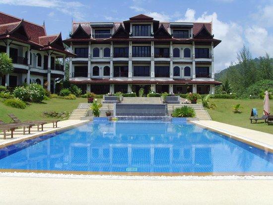 "Khao Lak Riverside Resort & Spa : Pool Richtung Hotel ""Haupthaus"""