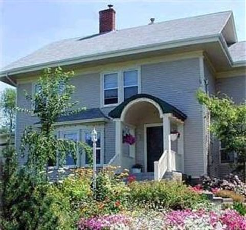 Harwood House Bed Breakfast Wolfville Canada B B