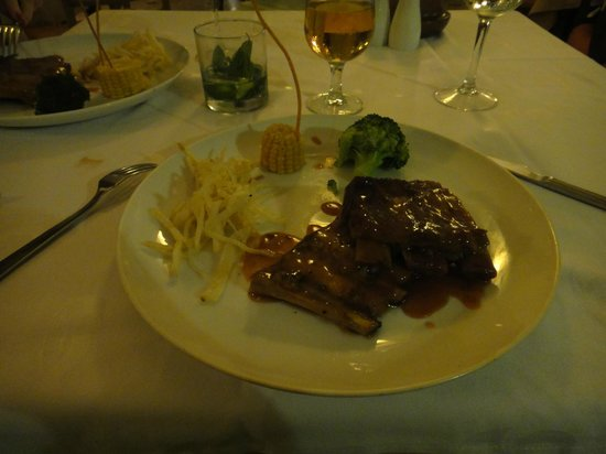 Grand Palladium Riviera Resort & Spa : ribs n more