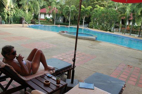 Samui Garden Home: piscina
