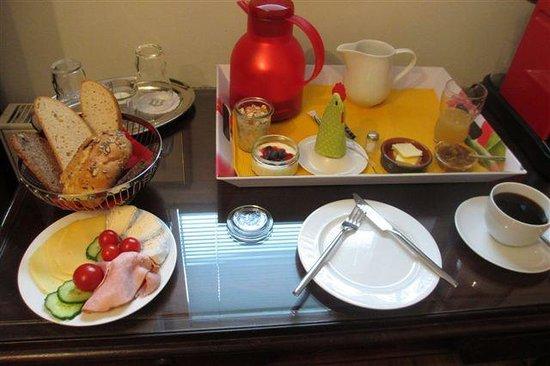 Villa Rheinblick: Vollwertiges Frühstück