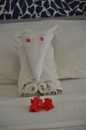 Trinco Blu by Cinnamon: a little elephant by the very creative towel-artist Tamidou