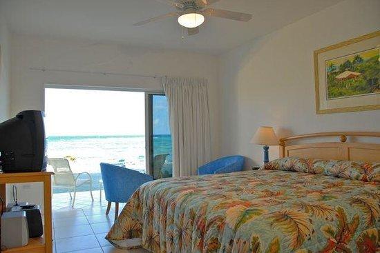 Castaways Cayman Beach Resort