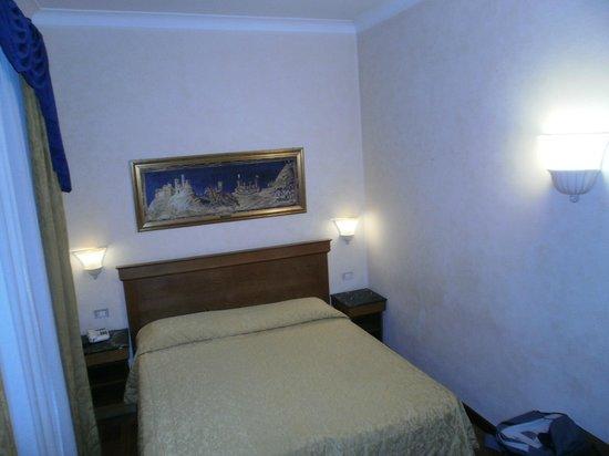 Porta Faenza: habitacion