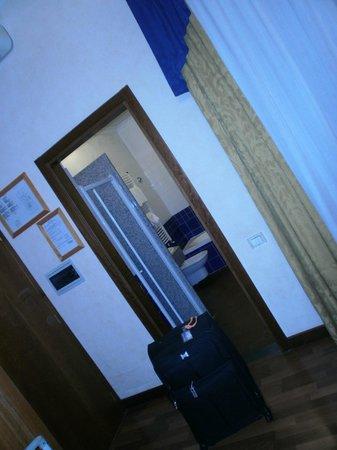Porta Faenza: ingreso al baño