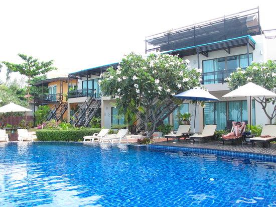 Maya Koh Lanta Resort: swimming pool