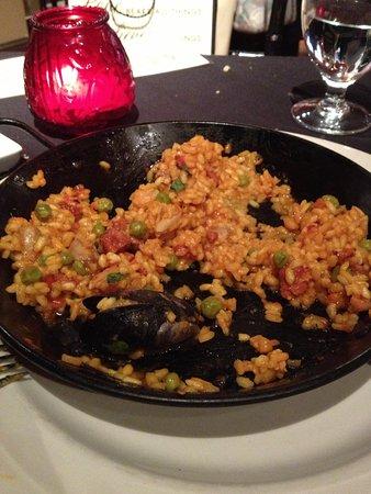 Loco Tapas and Wine Bar: Uncooked Paella