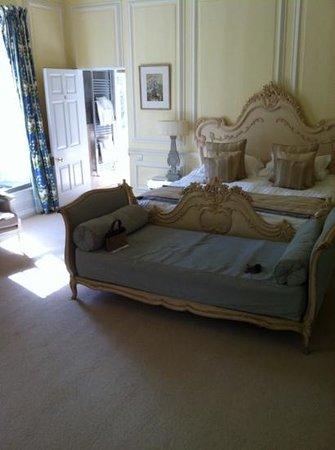 Eshott Hall: Versailles room