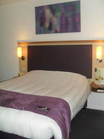 Premier Inn Uttoxeter Hotel : very comfy bed :)