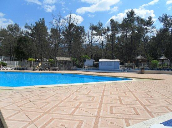 Camping Tohapi Domaine de La Sainte Baume: La piscine