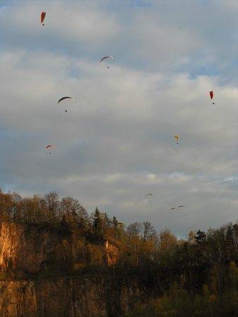 Hotel Restaurant Kaiser: gliders over the Odenwald