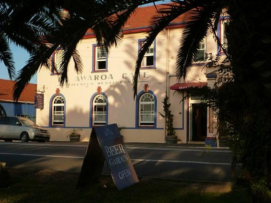 Grand Hotel Helensville: From across the road