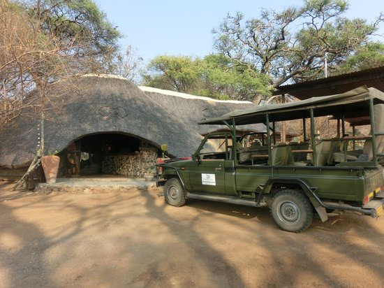 Elephant Valley Lodge: Entrata lodge