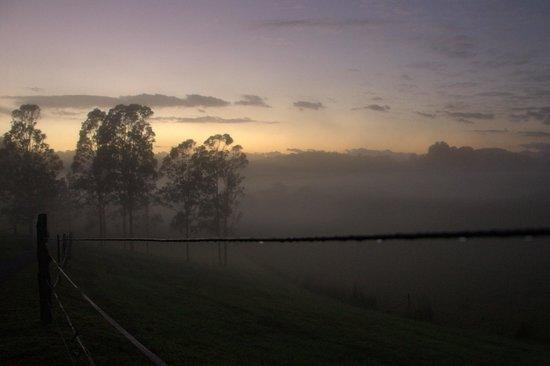 Hillcrest Mountain View Retreat: Sunrise looking towards Mt Warning