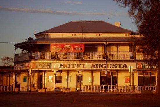 the hotel augusta reviews photos port augusta. Black Bedroom Furniture Sets. Home Design Ideas
