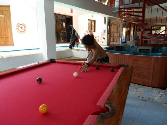 JAYJAYs Club: Facilities (billiard, jacuzzi & pool)