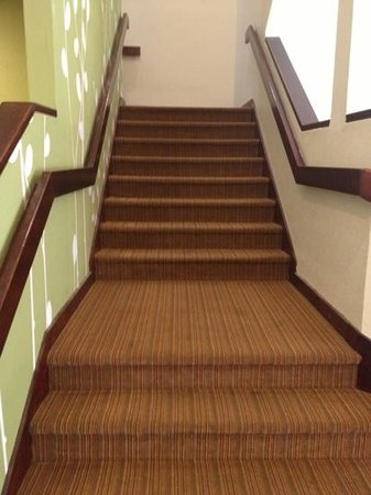 Sleep Inn: beware... stairs only... no elevator!!!