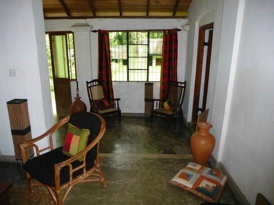 Kandy Cottage : ,