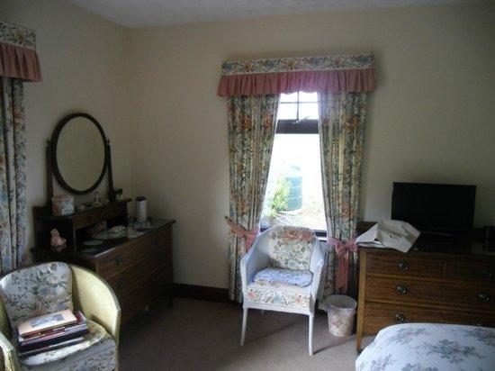 Avondale Bed & Breakfast: Large Room too!