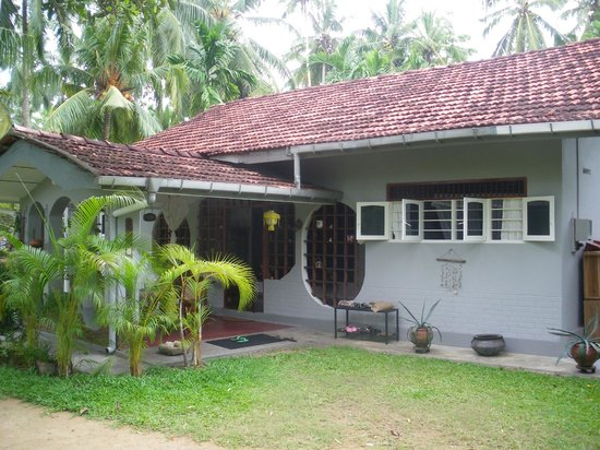 The Home Green Home Bungalow : Facade of the bungalow