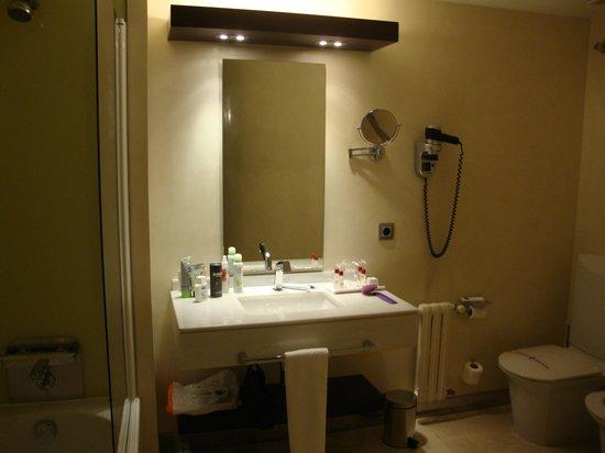 Hotel America Vigo: Salle de Bain