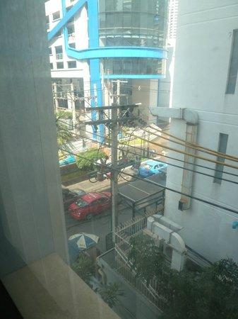 Citadines Sukhumvit 11 Bangkok: View from widow