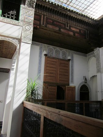Riad Laayoun: Patio