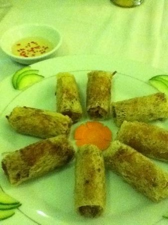 Trong Dong: veggie spring rolls