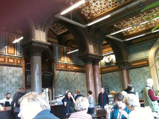 The Tiled Hall at Leeds Art Gallery: Inside the cafe