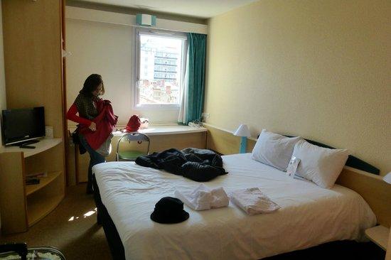 Ibis Albi: Habitacion con vista a la calle