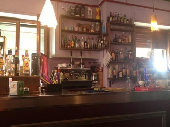 Ma Ke Te'l Dico a Fa': il bancone del bar