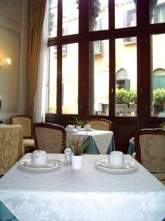Locanda Ca' Amadi: salle du petit déjeuner