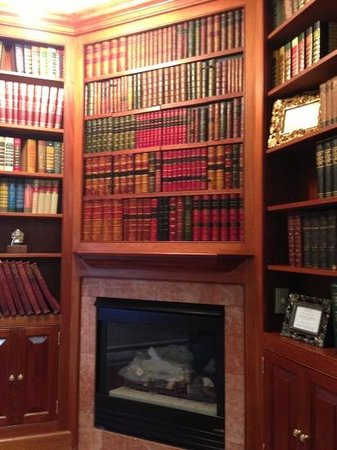 Adele Turner Inn: The Tycoon Suite Library
