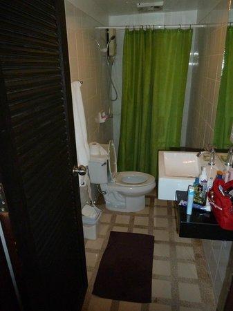 PapaCrab Boutique Guesthouse: Nice clean toilet