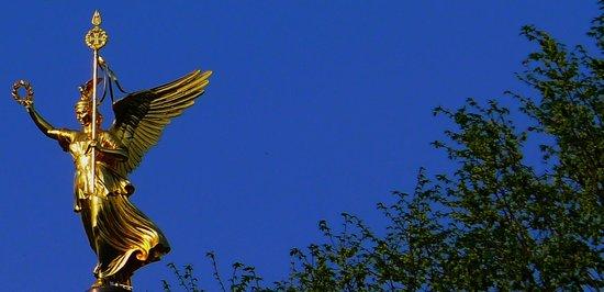 Tiergarten : Siegessäule depuis le parc