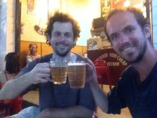 Nghia Bia Hoi: beer!