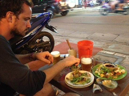 Nghia Bia Hoi: food...awesome!