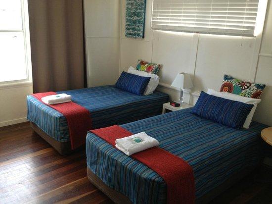 La Costa Motel: Bed