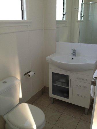 La Costa Motel: Bathroom