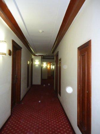 Ryad Mogador Kasbah: couloir